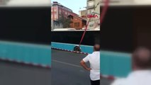 İstanbul- Kadıköy'de Yolda Çökme Otobüs Mahsur Kaldı