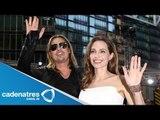 Angelina Jolie se casa por la iglesia con Brad Pitt / Angelina Jolie marry with Brad Pitt