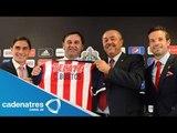 Chivas presenta a Carlos Bustos como técnico