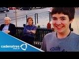 Adolescente se toma selfie con Paul McCartney / Teen selfie taken with Paul McCartney