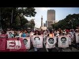 Segundo día de plantón de los padres de los 43 normalistas de Ayotzinapa / Kimberly Armengol
