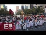 Familiares de normalistas desaparecidos realizan plantón en el DF / Ricardo Salas
