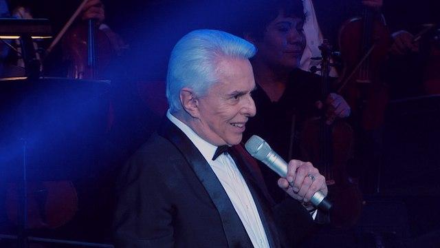 Enrique Guzmán - Acompáñame