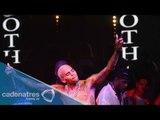 """Chris Brown se """"desnuda"""" y muestra """"sus dimensiones"""" en pleno concierto"""