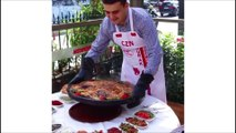 Kofta, grillades et produits frais pour le chef turc Burak Chef turc Burak Ozdemir