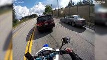 Automobilist maakt brokken tijdens gesprek met motorrijder