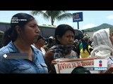 Protesta por normalistas de Ayotzinapa terminó en ataque a cuartel militar   Noticias con Ciro