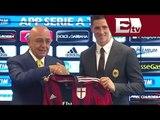Presentado Fernando Torres con el AC Milán/ Gerardo Ruiz