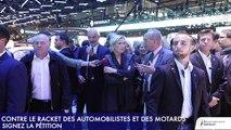 Marine Le Pen au Salon mondial de l'automobile