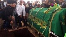 Tangis Duka Pecah di Pemakaman Istri Indro Warkop
