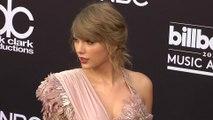 Taylor Swift bat tous les records aux American Music Awards