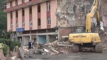 Yaşayan İnsan Hazinesi Osman Efendioğlu'nun İsmi Verilen Kütüphane de 4 Katlı Bina ile Yıkıldı