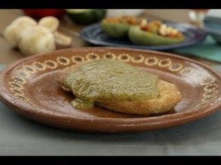Stuffed nopales in green sauce