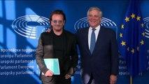 Il leader degli U2 Bono Vox incontra Tajani a Bruxelles