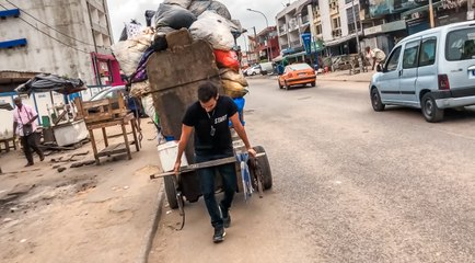 Abidjan: Capitale de la Débrouille