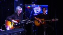 """Indochine chante en live """"Song for a Dream"""" sur Europe 1"""
