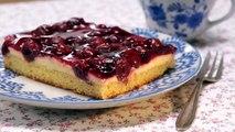 Dieser fruchtige Kuchen erfreut Freunde und Familie am Kaffetisch, ist einfach zuzubereiten und schmeckt köstlich! ☕️ZUM REZEPT