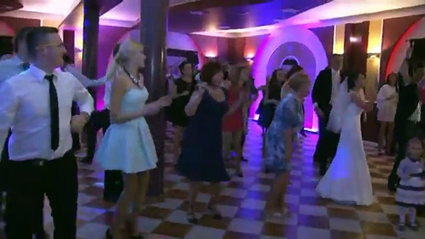 This is some wedding dance!!