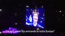 """U2 a Milano, Bono Vox interpreta un demone: """"Vi consiglio Salvini..."""""""