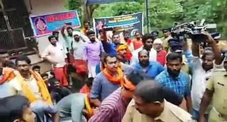 Sabarimala Temple Protests : Issue Starring Video