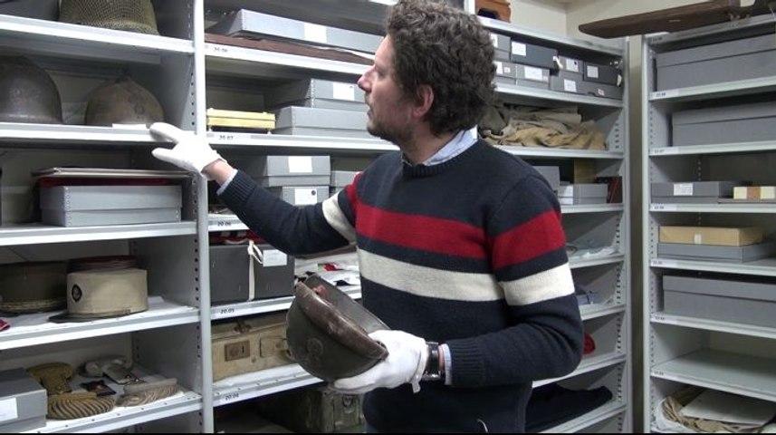 Le marquage des collections : attention à l'étiquette qui dépasse ! | Musée de la Libération de Paris, le déménagement