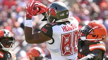 O.J. Howard leaps through the roof for 24-yard grab
