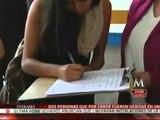 Estudiantes recaban firmas para exigir desalojo de encapuchados