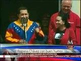 De buen humor Chávez regresa a Venezuela; detalla sobre su estado de salud