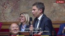Le député Bruno Studer force son accent alsacien pour dénoncer la glottophobie