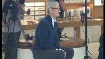 Tim Cook aperçu dans un Apple Store à Bruxelles