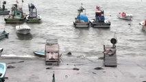 Akçakoca'da Dev Dalgalar Liman İçinde Bir Tekneyi Batırdı