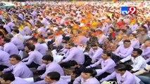 Diamond tycoon gifts cars/flats to employees as Diwali bonus, Surat- Tv9
