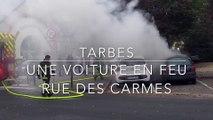 Tarbes - Une voiture prend feu rue des Carmes