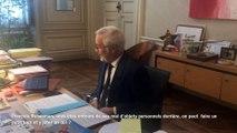 François Rebsamen fait visiter son bureau à la mairie de Dijon (1/2)