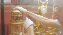 Au Musée Duesberg à Mons, le baron remet à l'heure 300 horloges
