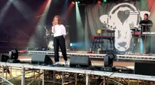 Rae Morris Performs At Valley Fest Bristol!