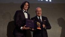 Edinson Cavani gets the 2018 Golden Foot award
