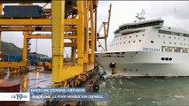 Regardez les impressionnantes images d'un accident dans un port de Barcelone où tout tourne au drame - Vidéo