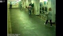 La cigarette électronique de cette femme explose dans son sac à main dans le métro