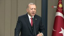 """Cumhurbaşkanı Erdoğan:""""Gelen başsavcı ipe un sermek için geldi. Sen bizim başsavcımızı oraya çağırıp da ne yapacaksın? Olayın işlendiği yer burası. Burada ne görüşeceksen görüşürsün. Konsolosluğa da gittin. Ama ipe un sermeye gerek yok'"""