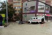 В Краснодарском крае из-за паводка обрушился мост на федеральной трассе. В Туапсинском районе из-за сильных ливней введен режим ЧС. Сегодня там за шесть часов в