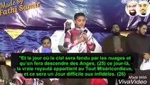 Un enfant récite d'une voix  émouvante des versets sublimes du Coran