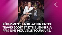 Kylie Jenner fiancée à Travis Scott ? Elle porte maintenant une bague à son annulaire gauche