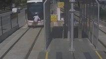 Un homme de 77 ans passe sous un tramway