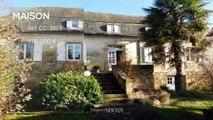 LOT. Saint-Michel-Loubejou. Magnifique maison en pierre avec 4 chambres, un magnifique pigeonnier de 2 chambres à coucher plus garage, dépendances, de