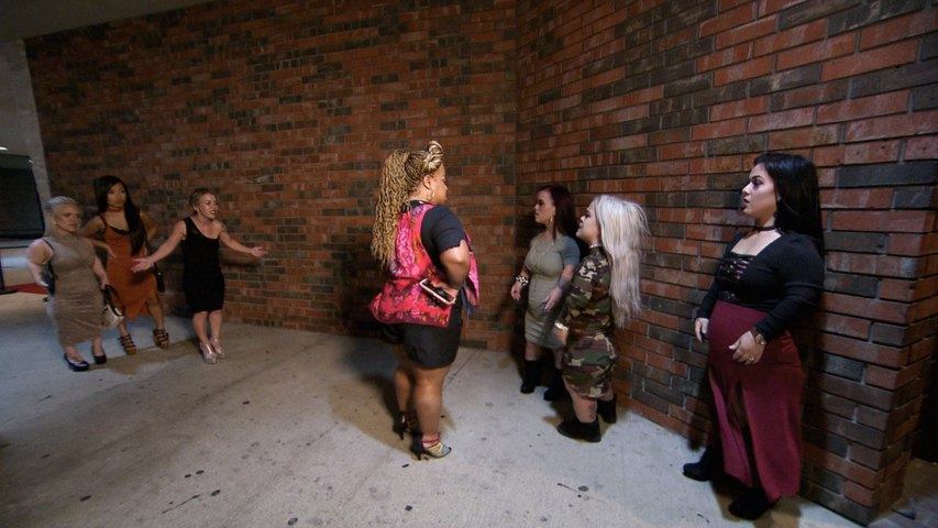 Little Women: Dallas - Caylea and Amanda Brawl at the Club