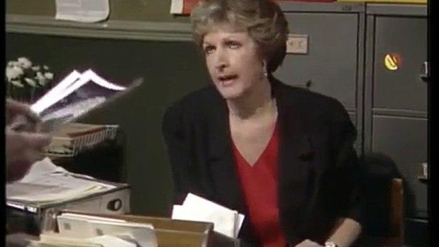 No Job For A Lady - S01E04 - Questions, Questions ! (1990)