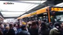 Incidente in metropolitana a Milano: 14 feriti, un 58enne in codice giallo | Notizie.it