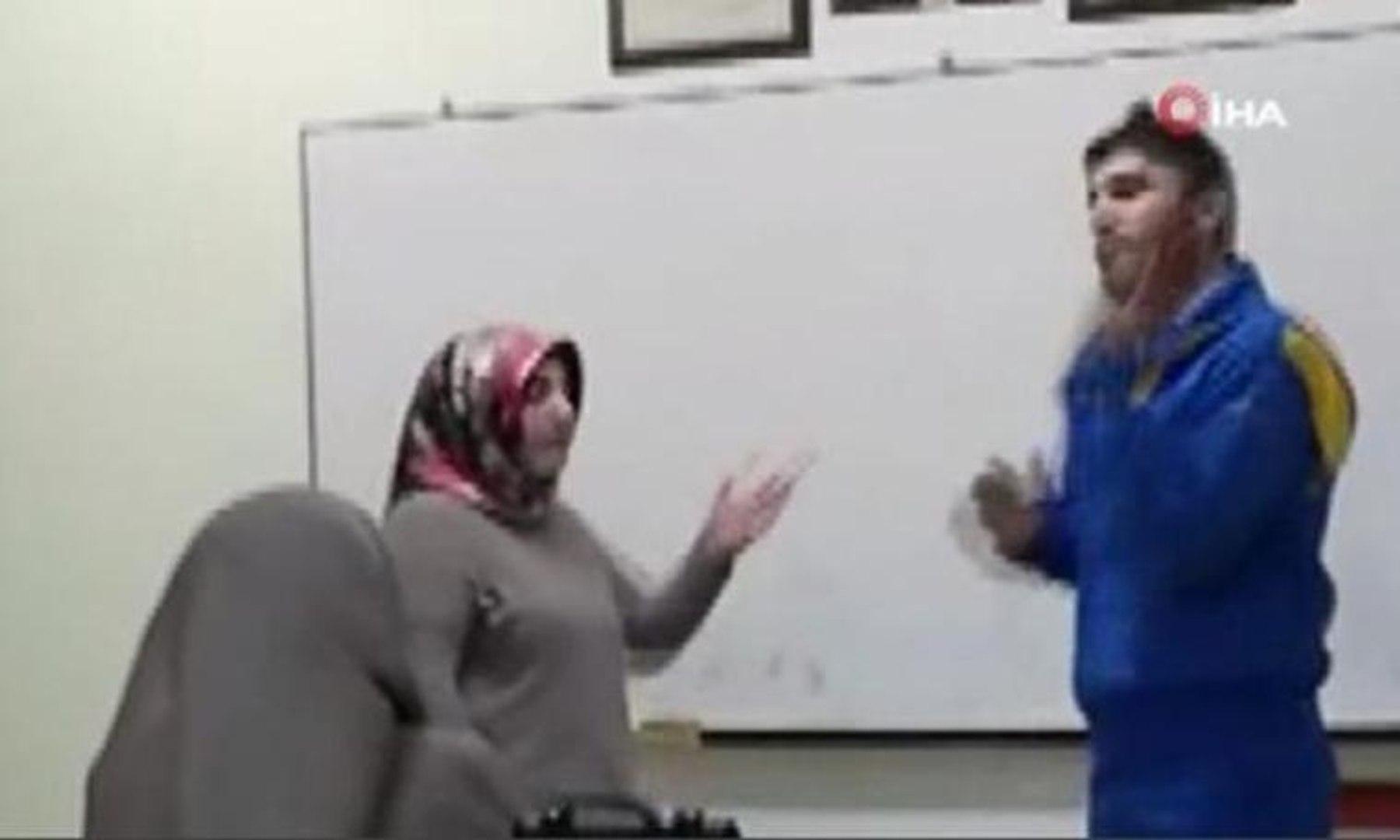 Engelliler sınıfında skandal görüntüler