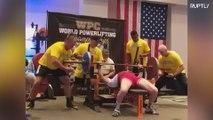 Este anciano de 71 años levanta 130 kilos de peso